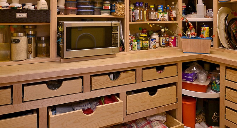Idea on using racks or shelves in kitchen to save space